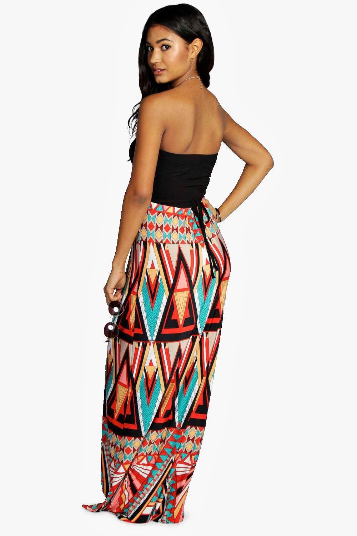 Boohoo | Платье макси без бретелек с географическим принтом | Clouty