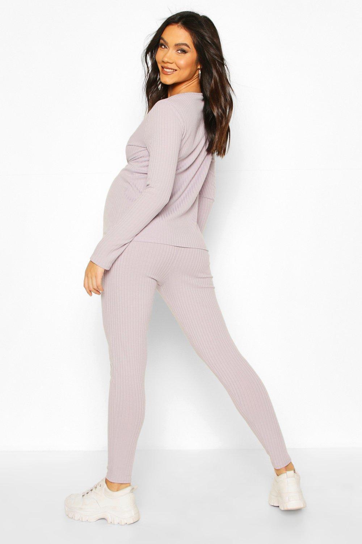 Boohoo | Из коллекции «Для беременных»—Сет одежды для отдыха из топа в рубчик с перекрутом спереди | Clouty