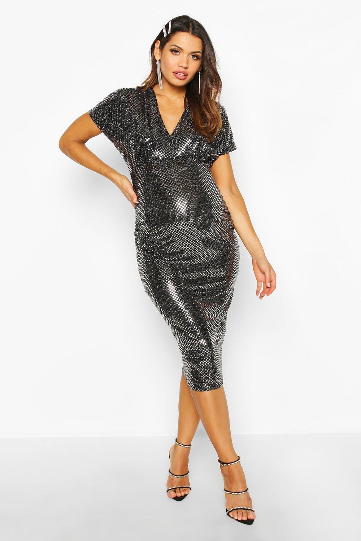 Boohoo | Эластичное платье миди для беременных с пайетками и с рукавами «летучая мышь» | Clouty