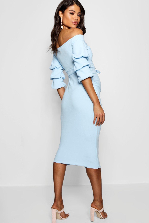 Boohoo | С открытыми плечами для беременных Миди-платье с отделкой | Clouty