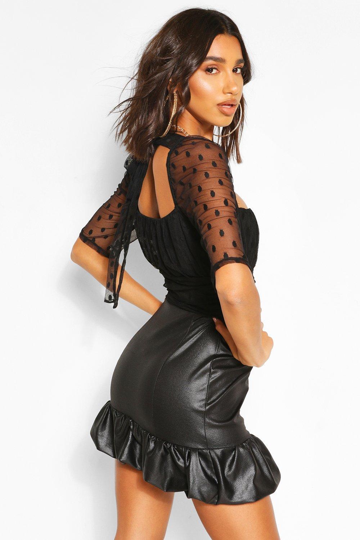 Boohoo   Платье-рубашка из искусственной кожи и сетки добби с объемными рукавами   Clouty