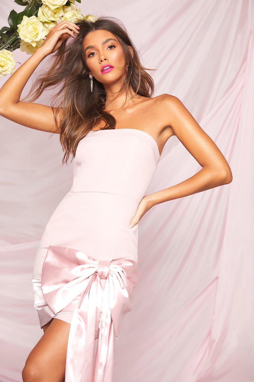 Boohoo   Платье мини бандо с бантом из коллекции одежда для мероприятий   Clouty