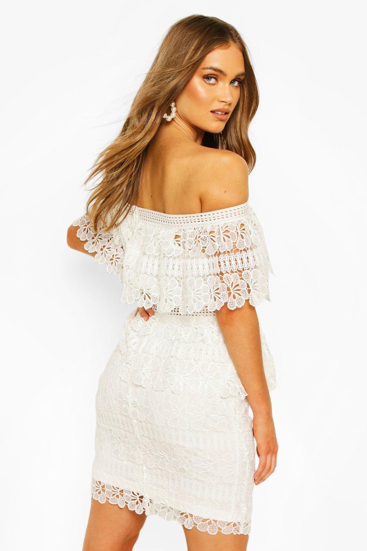 Boohoo | Платье мини Boohoouз плотного кружева на одно плечо | Clouty