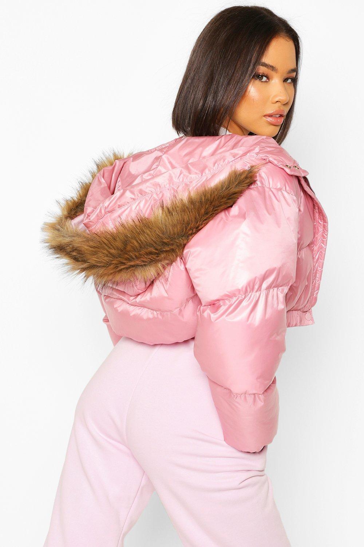 Boohoo | Укороченная пуховая куртка с отделкой из искусственного меха | Clouty