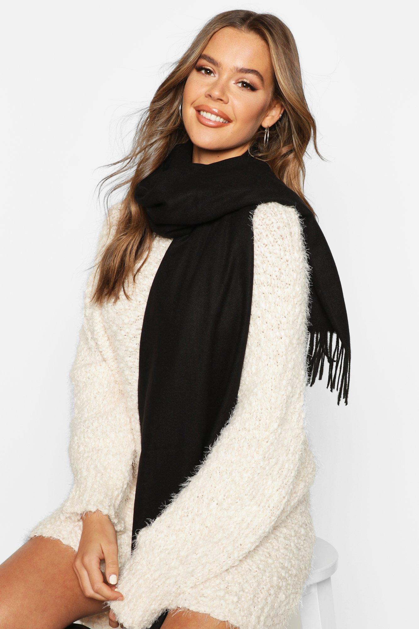 Boohoo | Ворсованный шарф с бахромой | Clouty