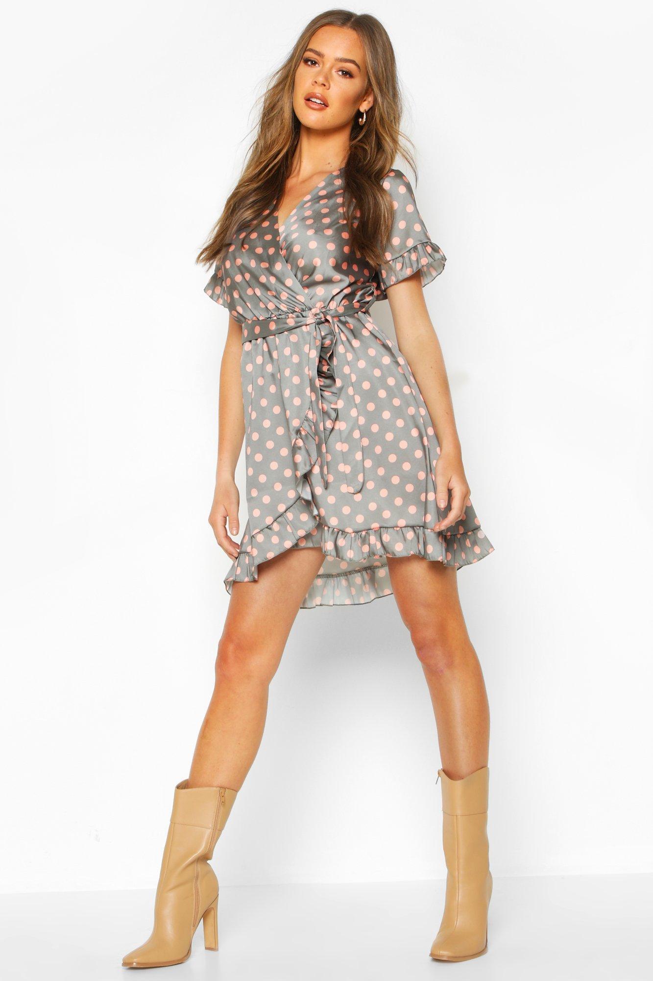 Boohoo | Платье до щиколотки в горошек, с оборками и поясом | Clouty