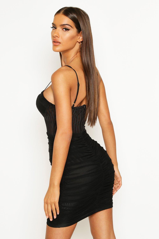 Boohoo | Сетчатое платье-мини со сборками | Clouty