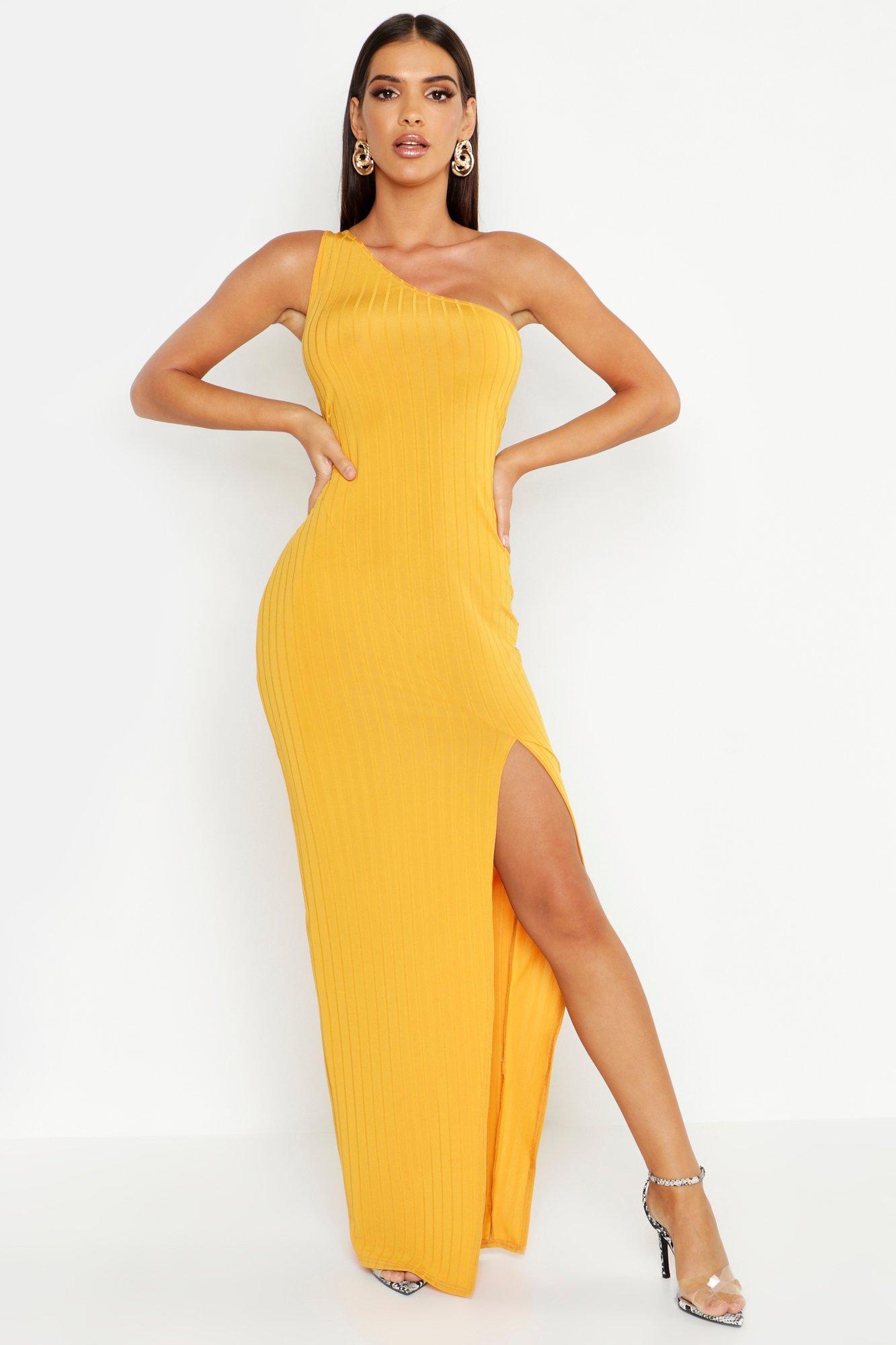 Boohoo | Макси платье с поясом с открытым плечом в рубчик | Clouty