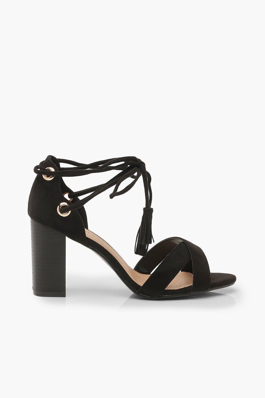 Boohoo | Extra Wide Fit — Босоножки на квадратном каблуке и шнуровке | Clouty
