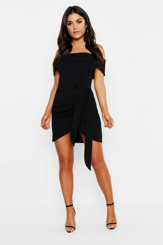 Boohoo | Облегающее платье с запахом, оборками и открытыми плечами | Clouty