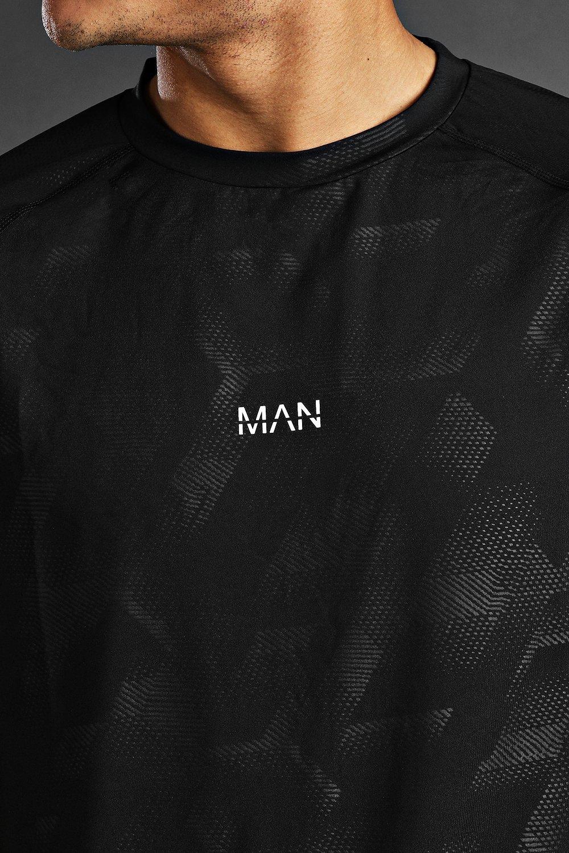 Boohoo   Man Active Fabric Interest Raglan T-Shirt   Clouty