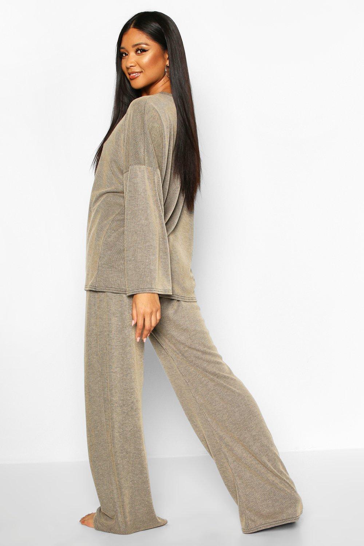 Boohoo | Сет одежды для отдыха с широкими брюками из ткани в рубчик с эффектом кислотной стирки | Clouty