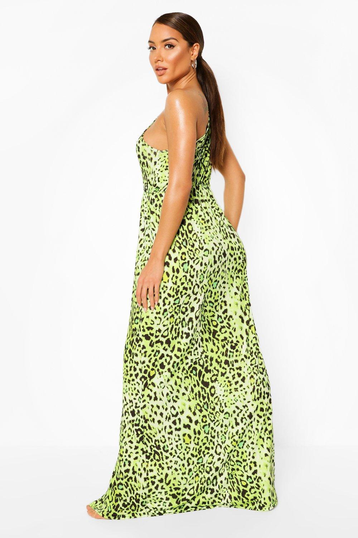 Boohoo | Пляжное макси-платье с разрезом и открытым плечом | Clouty