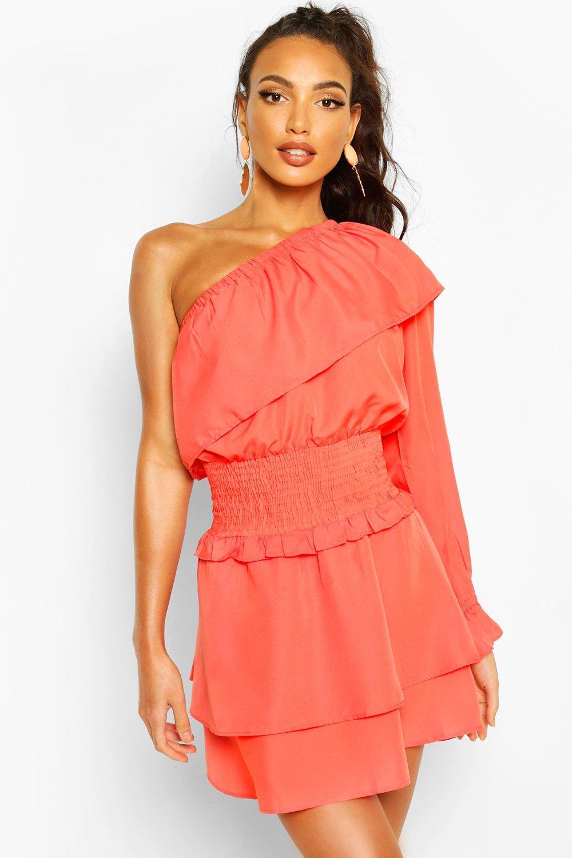 Boohoo   Пляжное платье с оборками и открытым плечом   Clouty
