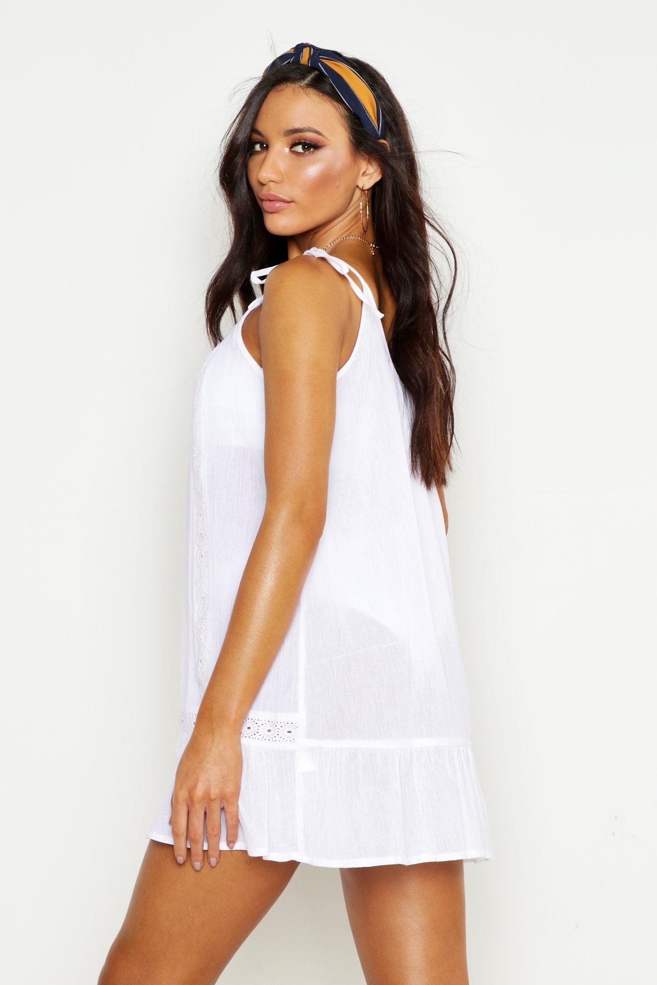 Boohoo | Пляжное платье из сетчатой рубашечной ткани с вышивкой | Clouty
