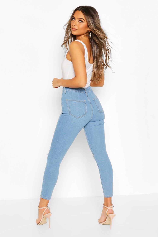 Boohoo | Из коллекции «PETITE»— Состаренные скинни джинсы с высокой талией | Clouty
