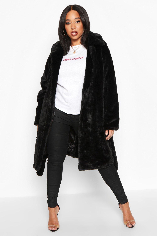 Boohoo | Плюс сайз — Удлиненное плюшевое пальто с мягким искусственным мехом | Clouty