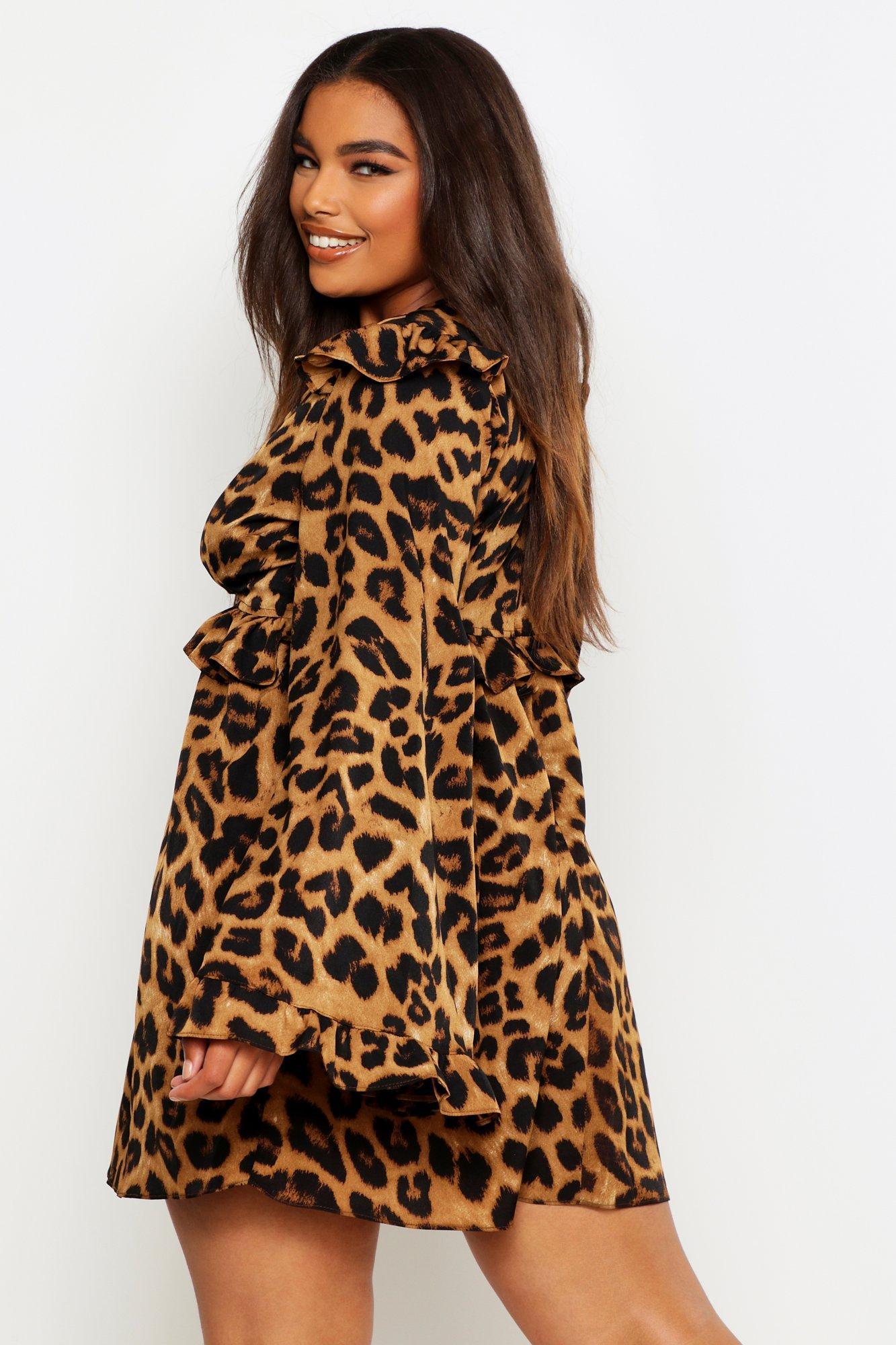 Boohoo | Плюс сайз — Свободное платье с леопардовым принтом с оборками | Clouty