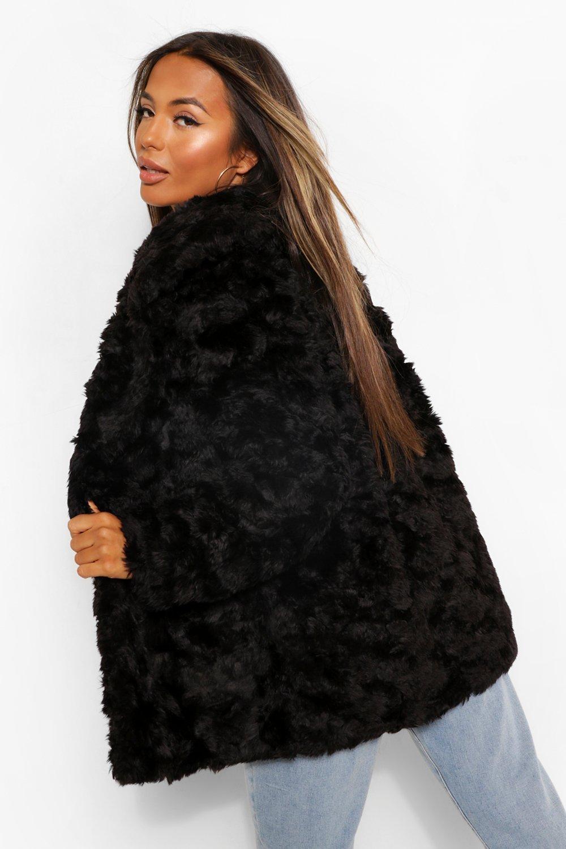 Boohoo | Тканное пальто Luxe из искусственного меха маленького размера | Clouty