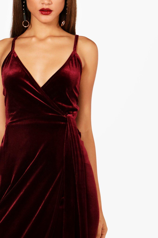 Boohoo   Бархатное платье Megan с запахом из коллекции «Tall»   Clouty