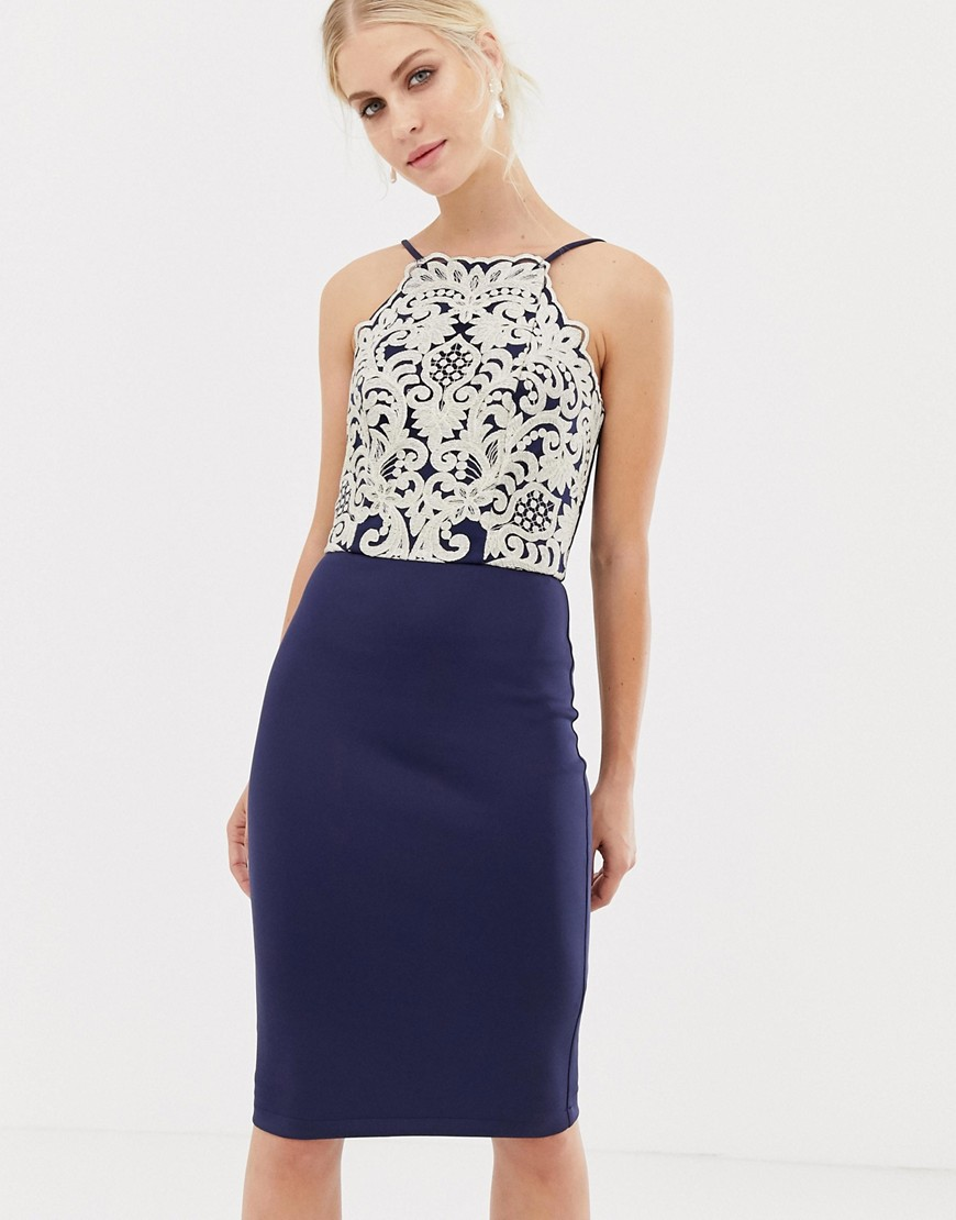 Chi Chi London | Темно-синее платье-футляр миди с золотистой вышивкой Chi Chi London - Темно-синий | Clouty