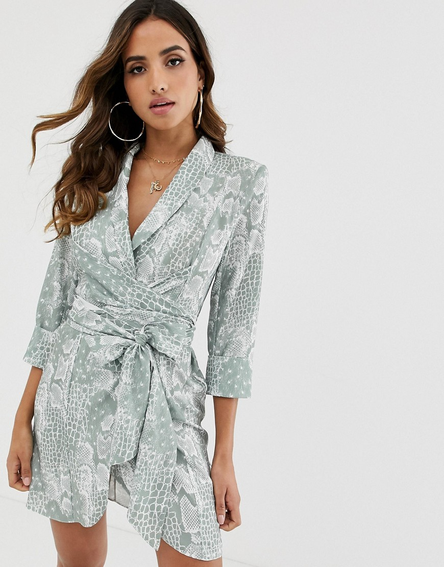 ASOS | Платье-смокинг мини со змеиным принтом и поясом-завязкой ASOS DESIGN - Мульти | Clouty