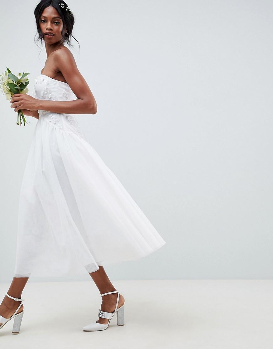 bfb4e068dea Свадебное платье-бандо миди с тюлевой отделкой ASOS EDITION - Белый ...