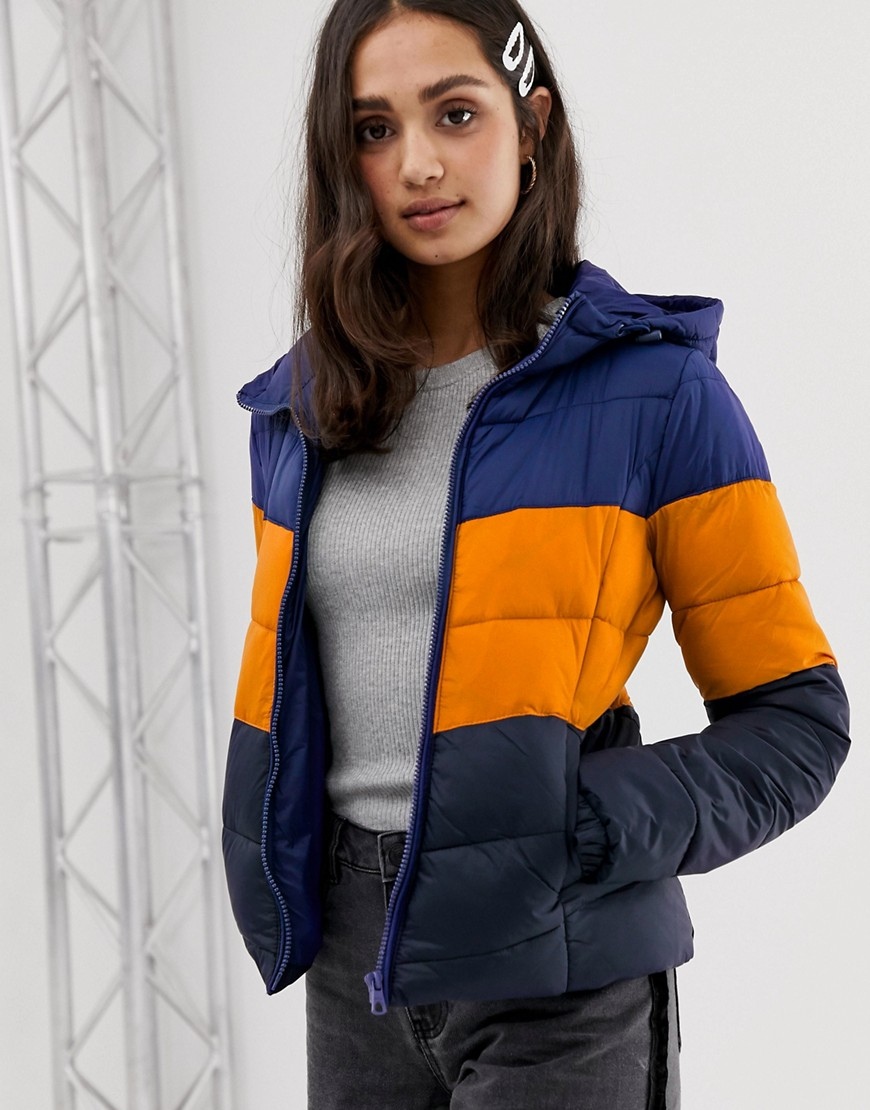 Only   Стеганая куртка в стиле ретро с капюшоном Only - Синий   Clouty