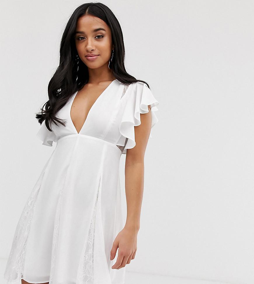ASOS | Платье мини с кружевными вставками годе ASOS DESIGN Petite - Белый | Clouty