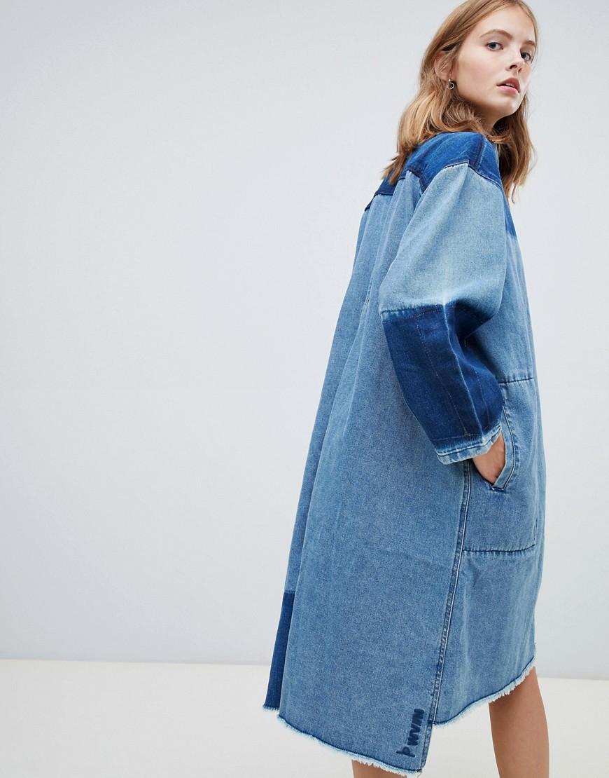 7ac8cd57dc95f7f ... Wåven | Двухцветное джинсовое платье-рубашка миди Waven Sigvor - Синий  | Clouty ...