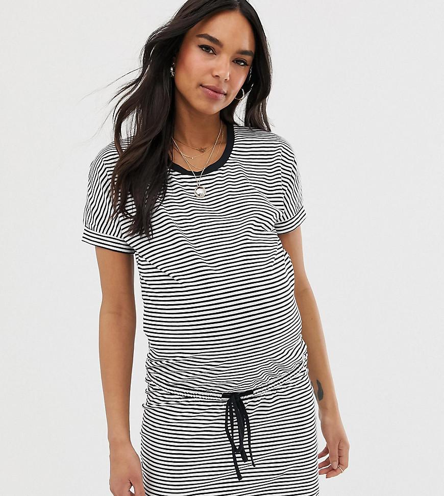 Mama Licious | Платье мини в монохромную полоску с затягивающимся шнурком на талии Mamalicious maternity - Мульти | Clouty