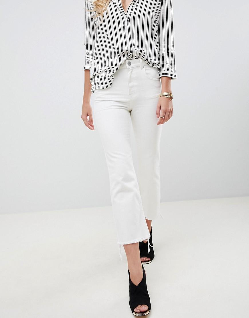 ASOS | Укороченные расклешенные джинсы с необработанными краями ASOS DESIGN Egerton - Белый | Clouty