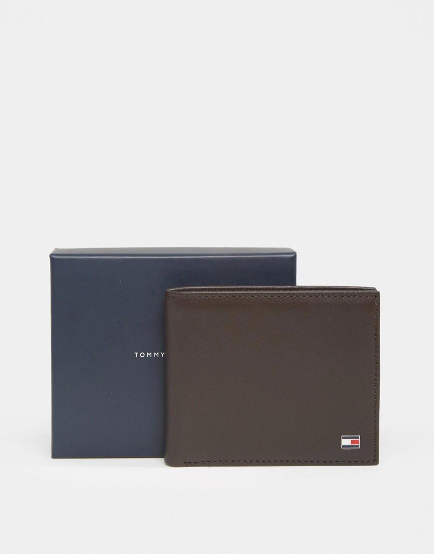 TOMMY HILFIGER | Коричневый кожаный бумажник небольшого размера Tommy Hilfiger Eton - | Clouty