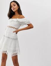 72f81f156c2a Forever Unique | Платье мини с открытыми плечами и вышивкой Forever Unique  - Белый | Clouty