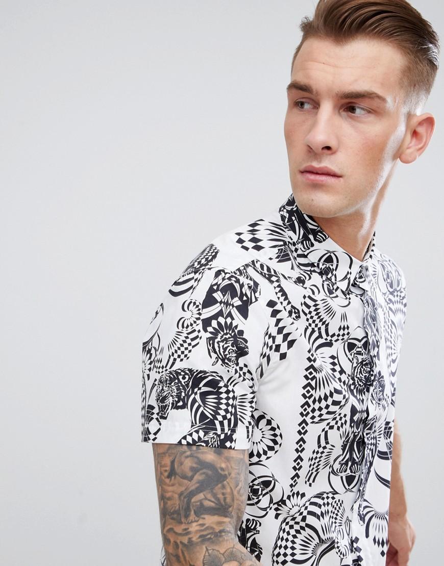 Versace Jeans | Белый Белая рубашка классического кроя со спиральным принтом тигра Versace J | Clouty