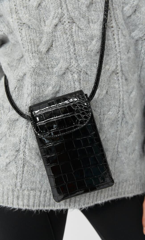 Stradivarius   Stradivarius Mock Croc Smartphone Crossbody Bag Женская Коллекция Черный 103   Clouty