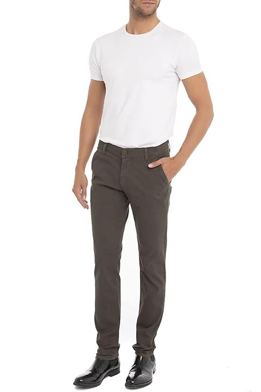 Auden Cavill | Khaki Pants Auden Cavill | Clouty