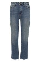Фото Укороченные расклешенные джинсы с потертостями Paige