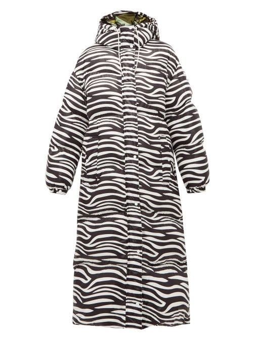 0 Moncler Genius Richard Quinn | 0 Moncler Genius Richard Quinn - Zebra-print Down-filled Hooded Coat - Womens - Black White | Clouty