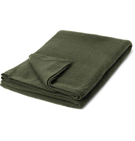Armand Diradourian | Armand Diradourian - Cashmere Travel Blanket - Green | Clouty