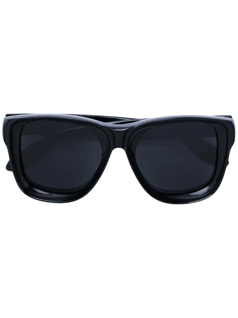 GIVENCHY | Чёрный солнцезащитные очки с затемненными линзами Givenchy Eyewear | Clouty