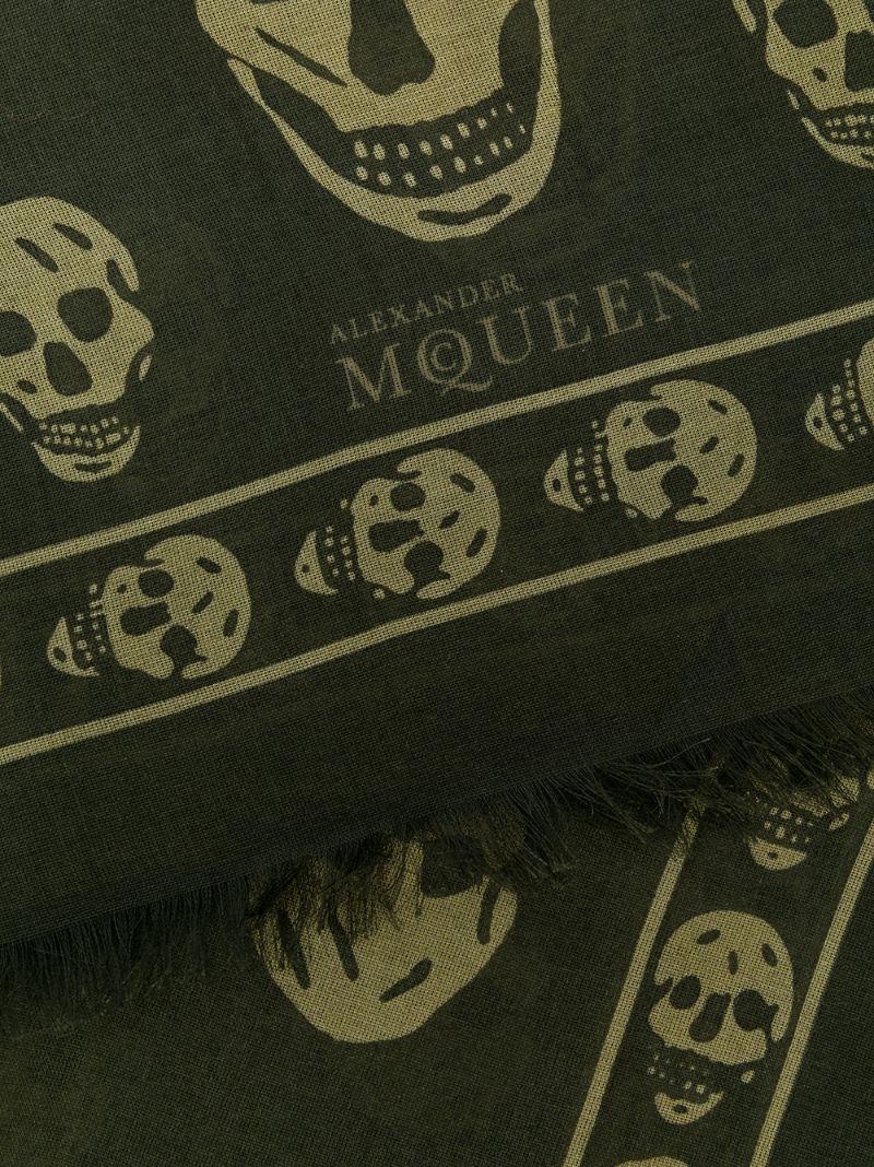 Alexander McQueen   Зелёный классический платок с черепами Alexander McQueen   Clouty