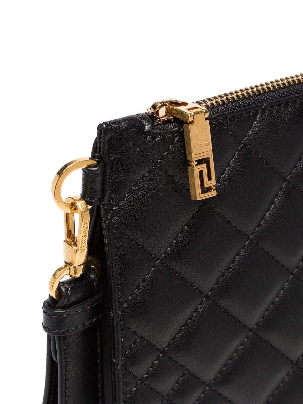 Versace   Versace стеганый клатч с бляшкой с головой Медузы   Clouty
