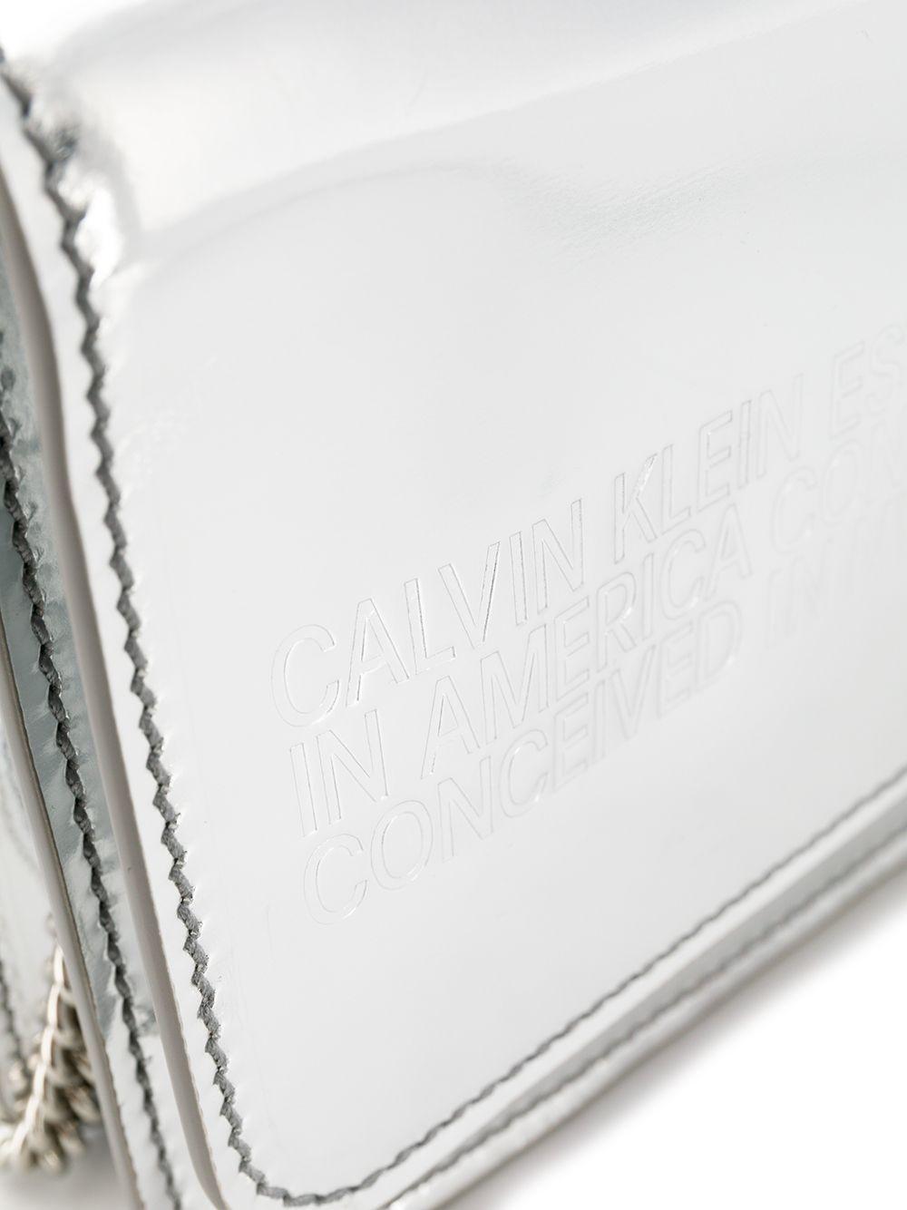 Calvin Klein | кошелек с цепочной лямкой | Clouty