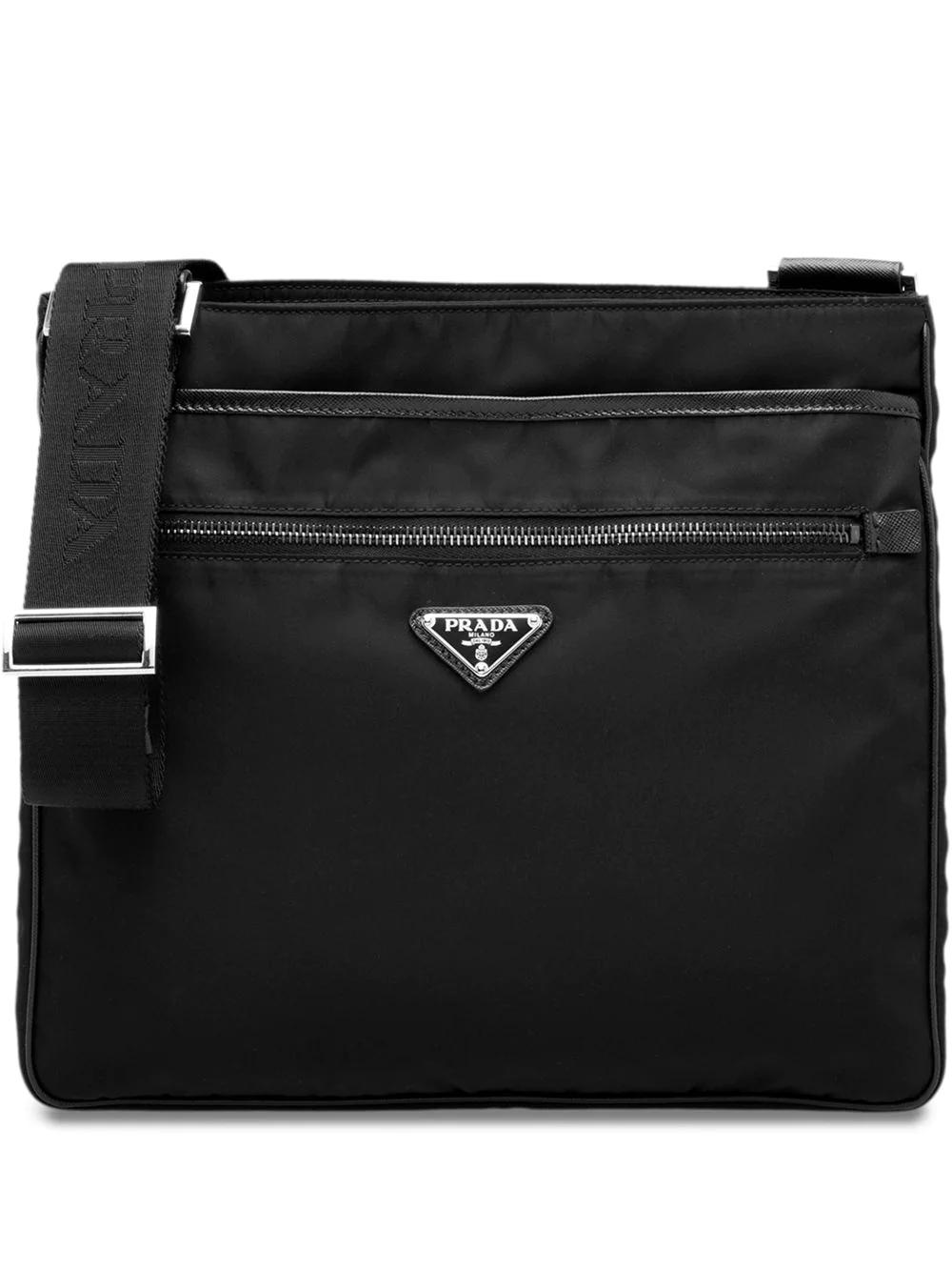 PRADA | сумка-мессенджер с бляшкой с логотипом | Clouty