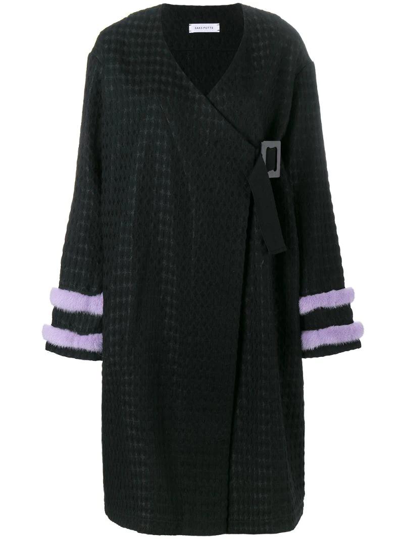 Saks Potts   Чёрный пальто с меховой отделкой Saks Potts   Clouty