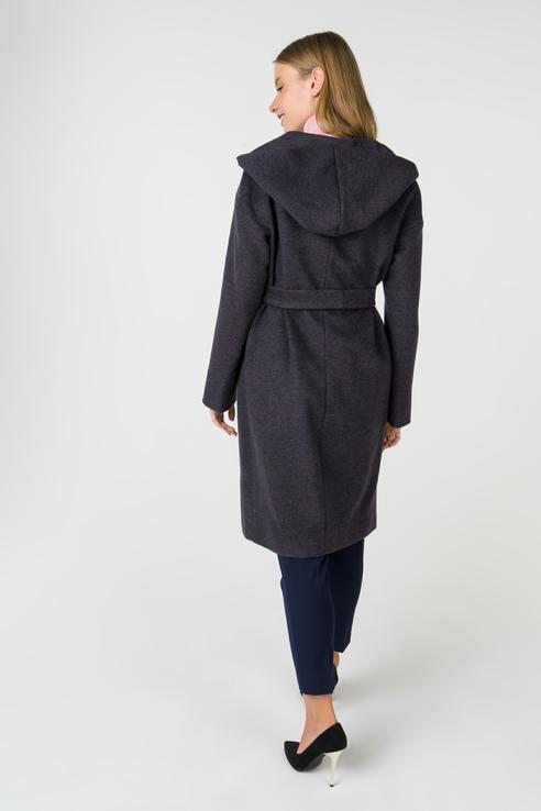 небольшой пальто с объемным капюшоном фото окружает ухоженная