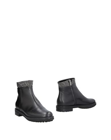 Ninalilou | Черный Женские черные полусапоги и высокие ботинки NINALILOU аппликации из металла | Clouty