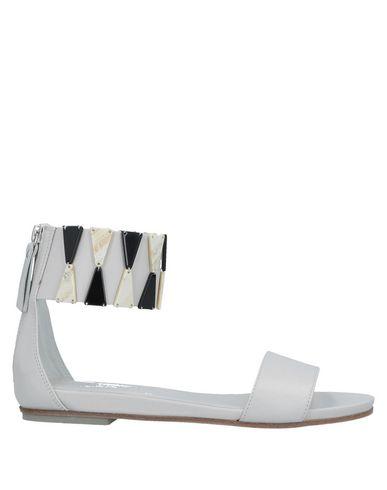 Vic Matiē | Светло-серый; Черный Женские светло-серые сандалии VIC MATIE кожа | Clouty