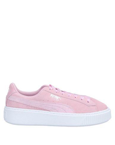 Puma | Розовый; Светло-серый Женские розовые низкие кеды и кроссовки PUMA замшевая ткань | Clouty